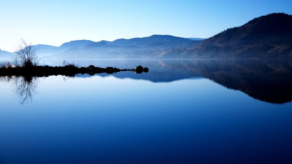 Skaha_Lake_along_the_Okanogan_River